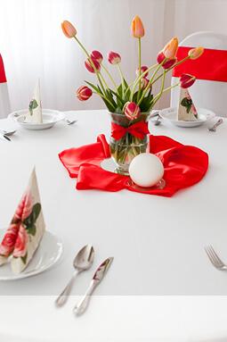 Okrúhly stôl + obrus